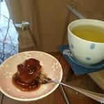 やまねこ軒 - 食後の甘味とジャスミンティー