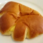ベーカリー ブランカ - 料理写真:クリームパン