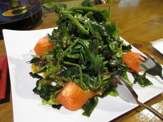 島料理 海響 - 山菜サラダ 700円 (2017.2)
