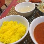 63120905 - ライスとスープとタンドリーチキン