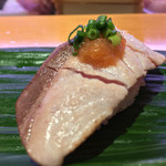 ひょうたん寿司 - ひょうたん寿司(福岡県福岡市中央区天神)旬のおまかせにぎりセット〜ブリ炙り