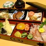 膳処くろひめ - 地グルメ御膳1900円。読んで字のごとく、納得の御膳です。