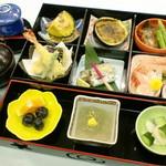 膳処くろひめ - 松花堂弁当(松コース)3200円。お食事にも酒の肴にもご利用いただけます。