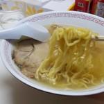 バスラーメン - 麺リフト♪