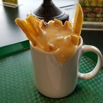 ラッキーピエロ - こってりチーズの「ラキポテ」