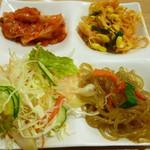 白さんの純豆腐 - おかずバー=食べ放題の前菜
