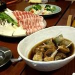 63132223 - つぶ貝、鍋、サラダ