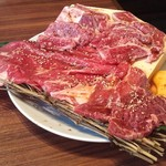 精肉問屋直営焼肉店 やきにくの蔵 - 蔵厳選赤身上肉盛り (3800円)