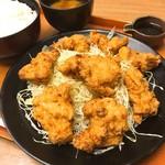 ぶたたま食堂 - メガから揚げ定食