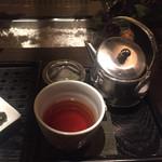 林屋茶園 - ほうじ茶パフェには、ほうじ茶のポットサービス