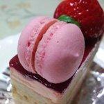 お菓子の工房 がとぅぎゃらりぃ - ベリー系?のケーキ