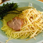 ラーメンショップ練間 - 【2010.12 再訪】 ネギつけ麺 大盛 具は麺皿に