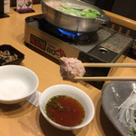 水たき いろは - 水炊き いろは本店(福岡県福岡市博多区上川端町)地鶏水炊きコース(ミンチ付き)一人前4700円~おじやまたはチャンポン付