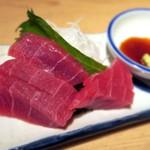 晩杯屋 - マグロ刺¥200