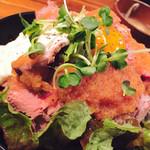 お肉と神戸野菜とワインとチーズ TOROROSSO - ローストビーフ丼 大盛り