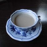 Chiffon Cafe Soie - 05 選べるドリンクからホットカフェオレ