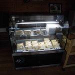 Chiffon Cafe Soie - 06 今日のシフォンケーキ。小倉抹茶は光に反応してしまうので箱入り