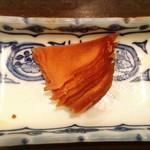 海鮮炭火焼食堂 肴や - サービスでいただいた生姜のお漬物