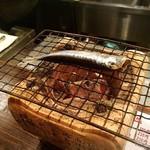海鮮炭火焼食堂 肴や - 魚焼いてもらいました。