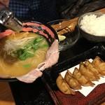 麺屋彩々 - 料理写真: