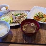 ヘルシー・キッチン・スマイリー - タニタ食堂定食(850円)