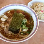 中華・麺や あじよし - 料理写真:
