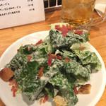 イタめし酒場 viva - シーザーサラダ。ひとりで食べるには多すぎた…食べたけどね。味は正直ふつうです。