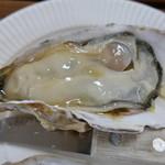 かき小屋 - ぷりぷりの焼き牡蠣