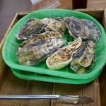 かき小屋 - 殻付き牡蠣 7個1000円 今日は香川産