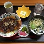 レストハウス舞子 - ⑤八丁みそかつ丼.小鉢.うどん\800
