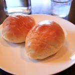 キッチンMO-MO- - パンは2個つきます