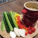 やきとん だいだら - 季節野菜のバーニャカウダ¥540