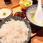 炭焼牛たん東山  - 流石の豪華ランチでテールスープの味もいい感じに現地味!