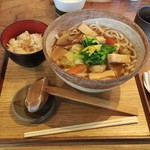 うどん山長 - けんちんうどん972円+無料のあさり炊き込みご飯