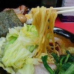 田上家 - 麺は酒井製麺。