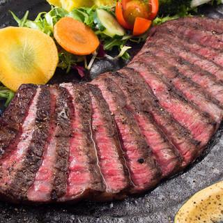ここでしか味わえない薫り高い塊肉!ボイチ独自の調理法です!