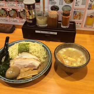 北海道らぁ麺 ひむろ - 味噌ダレつけ麺。 税込880円。 旨し。