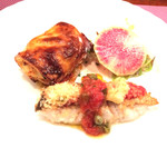 BISTRO SUZUKI - タラの香草焼きとシーフードと根菜のパイ包み