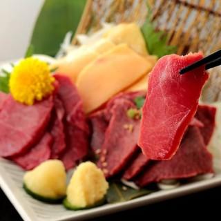 九州から取り寄せた厳選食材を使用した本場の味わい