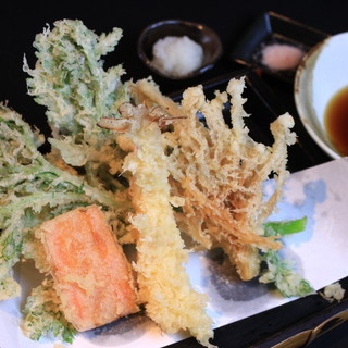 四季を感じる旬の素材の天ぷら
