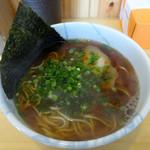 ラーメン加藤 - 「天然魚介醤油ラーメン」680円