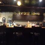 コーヒーバー ガレッジ  - 店内(カウンター席)