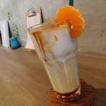 スミヨシ4丁目コーヒースタンド - オレンジラテ、甘いですw