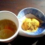 Kyoudoryourioshokujidokorowaraku - 食膳甘酒と煮物