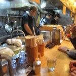 麺場 七人の侍 - 活気ある厨房