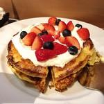 ジェイエスパンケーキカフェ - フレンチパンケーキ(2種のベリー)