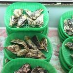 かき小屋 - 香川産殻付き牡蠣7個1000円