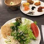 豆乃畑 - サラダとお正月メニュー