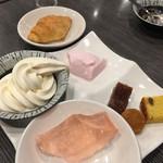 豆乃畑 - マロンケーキ、クロワッサン、ババロア、プチドーナツ