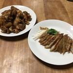 中華料理 桃園 - 料理写真:持ち帰りの豚足と大腸唐揚げ